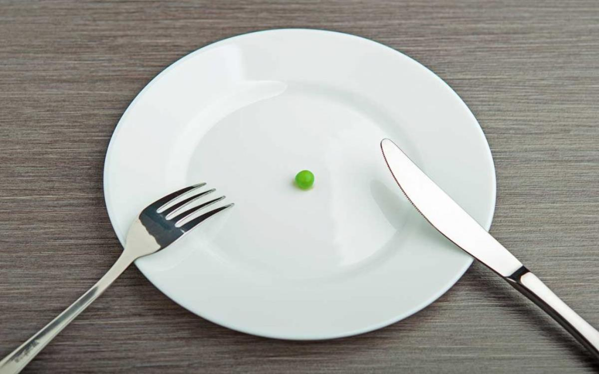 برای لاغری روزی چند وعده غذا بخوریم