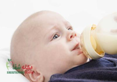 رفلاکس معده در نوزاد