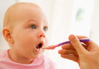 نشانه های گرسنگی نوزاد