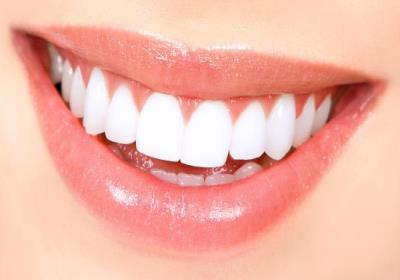 راهکار خانگی برای سفید شدن دندان