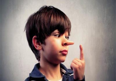 با بچه ای که دروغ میگوید چگونه رفتار کنیم