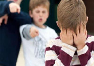 چگونه با کودکان قلدر باید رفتار کنیم